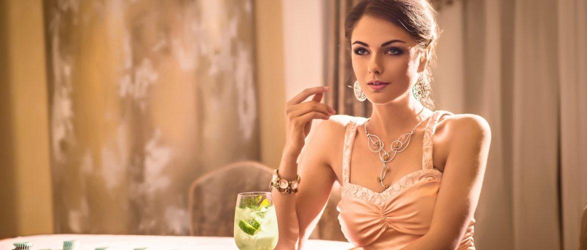 How do poker rooms make money?